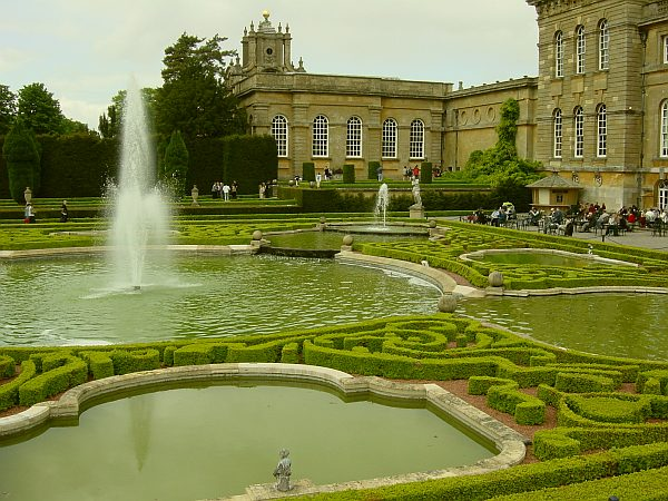 Photo - Blenheim garden