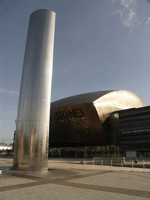 Photo - Cardiff Bay - The Wales Millennium Centre