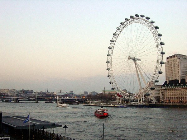 Photo - London Eye depuis Westminster Bridge