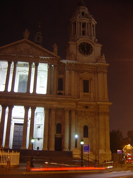 Photo - Midnight @ St Paul Cathedral