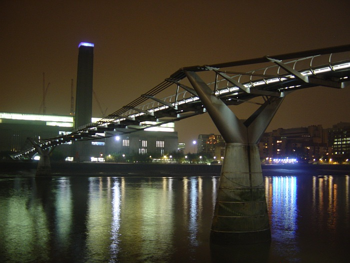 Photo - Tate Modern & Millenium Bridge