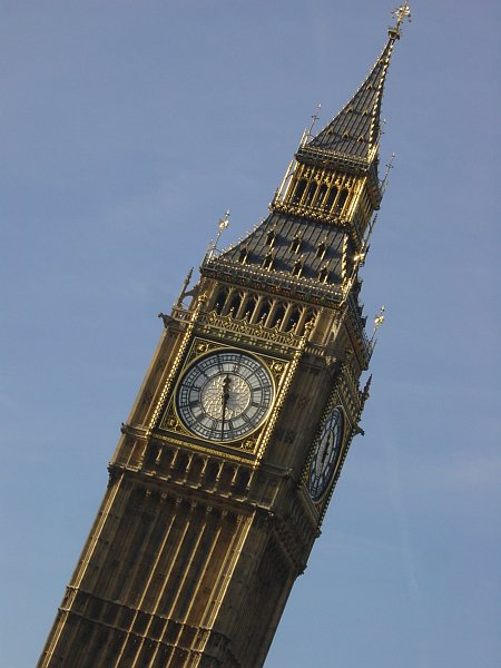 Photo - Big Ben gives time