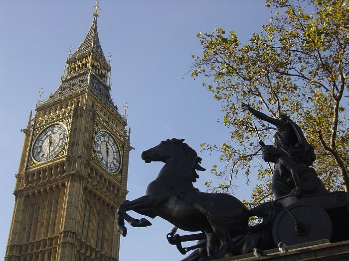 Photo - Big Ben et Statue