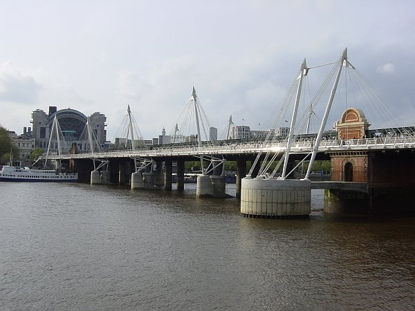 Photo - Hungerford bridge