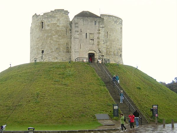 Photo - York - Clifford's Tower