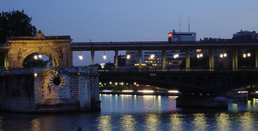Photo - Bir-Hakeim Bridge