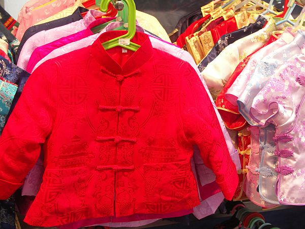 Photo - Silk clothes - Stanley Market
