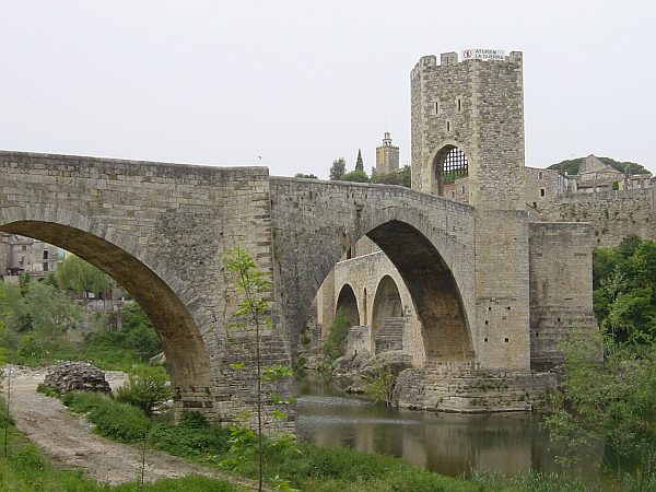 Photo - Besalú - Pont fortifié