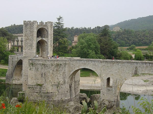 Photo - Besalu