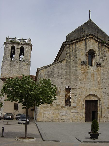Photo - Besalú - Eglise Sant Pere