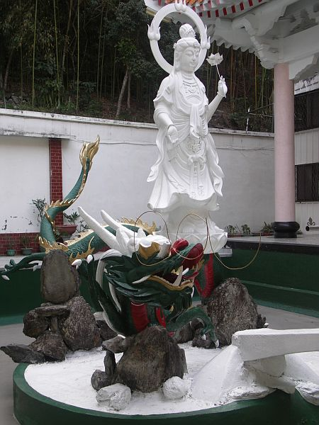 Photo - Fountain around Hsiangte Temple